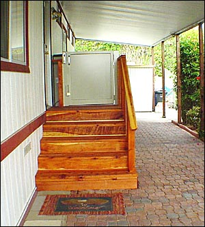 Vertical Porch Lift (Platform Lift)